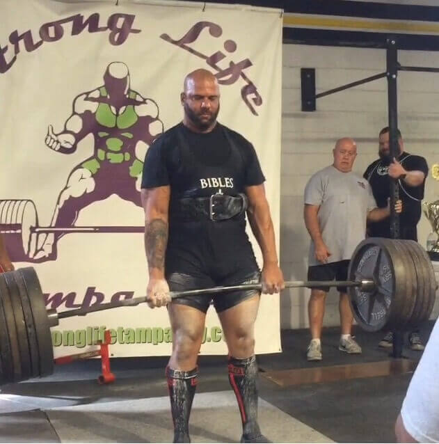 heavyweight lifter in competition