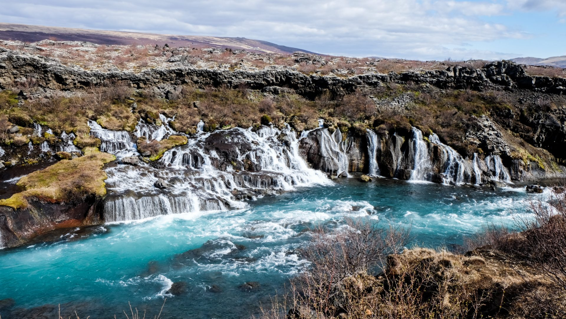 how to travel around iceland cheap